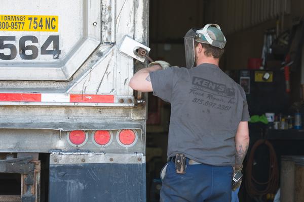 trailer-repair-gallery-2